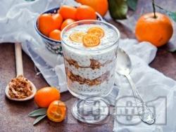 Чия пудинг с фреш от портокал, бадемово мляко, орехи и мед - снимка на рецептата